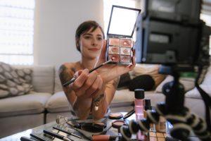 makeup youtuber